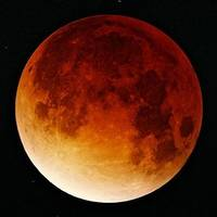 Total lunar eclipse - watch the live video stream
