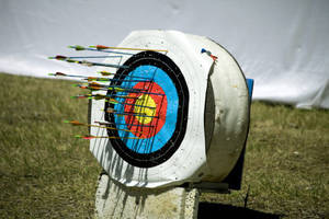Bullseye! Girl Scouts get Special Archery Permissions at Glen Park